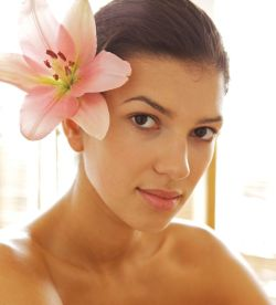 Natural Ways to have Healthy, Glowing Skin