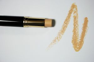 Top 6 Natural Makeup Brands That Keep Customers Coming Back for More